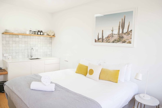 White bedroom with a comfy mattress via Bed in a Box Reviews, Australia (2020)