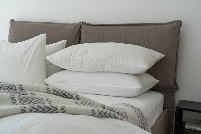 White pillows on the Best Mattress in a Box, Australia (2020)
